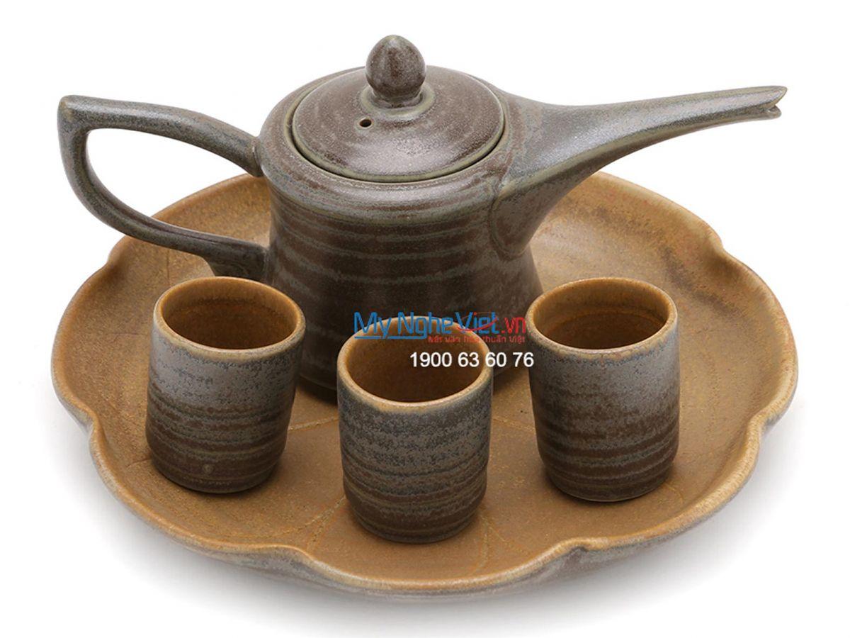Bộ bình trà Bát Tràng tam nhọn khay gốm MNV-TS053