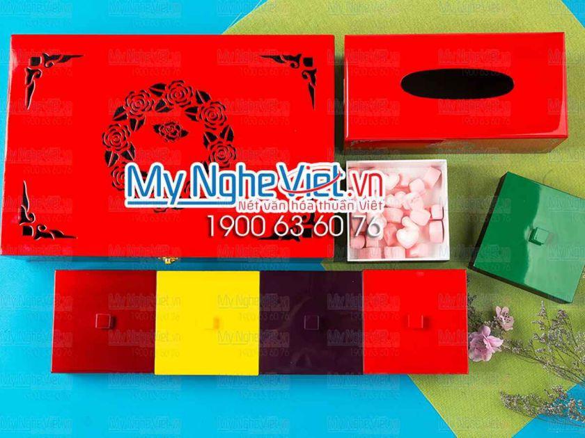 Bộ hộp đựng bánh trung thu 6 bánh + hộp khăn giấy chữ nhật khắc hoa hồng đỏ tươi MNV-QT011