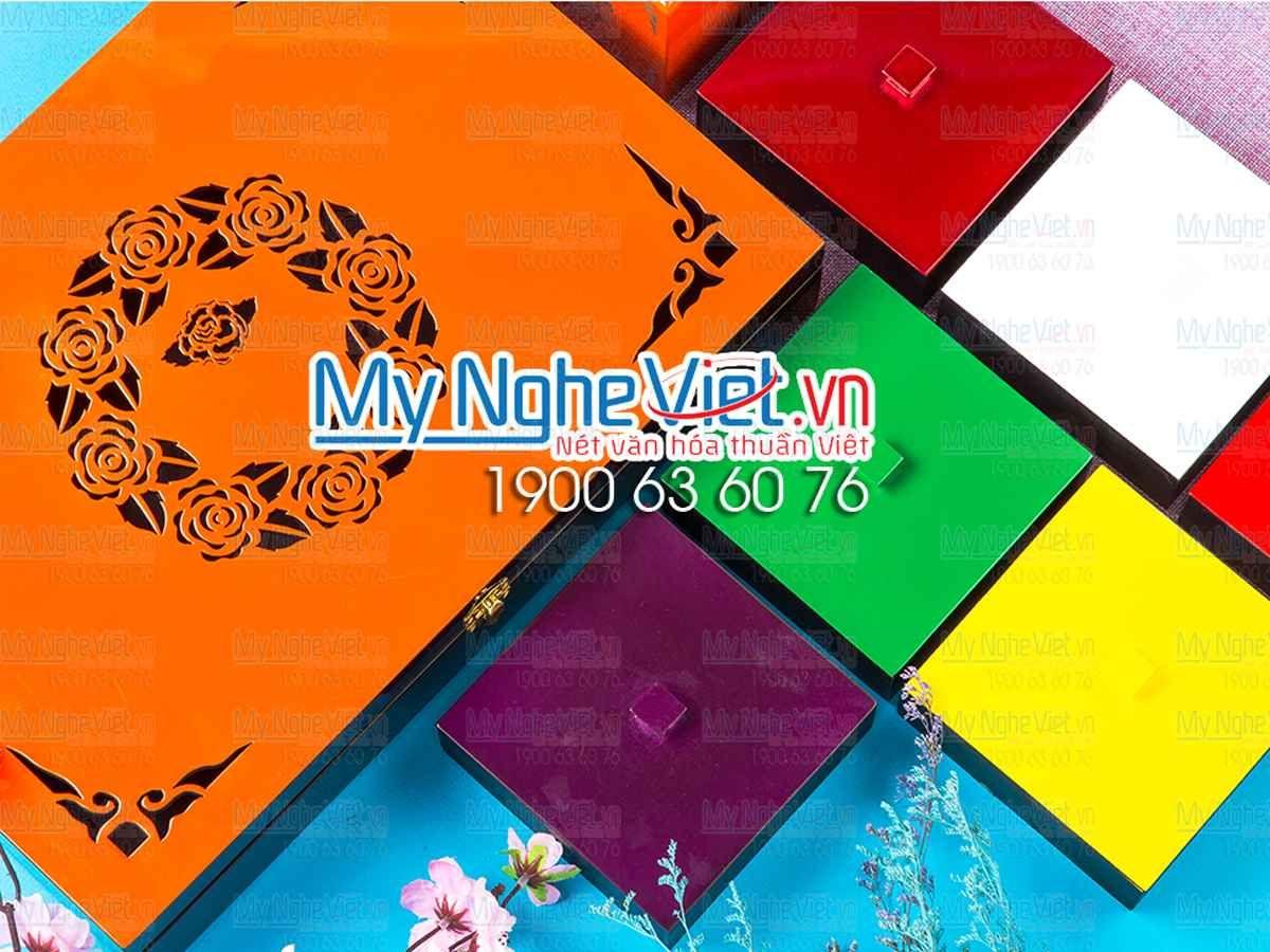 Bộ hộp bánh trung thu 6 bánh + hộp khăn giấy chữ nhật khắc hoa hồng cam MNV-QT010