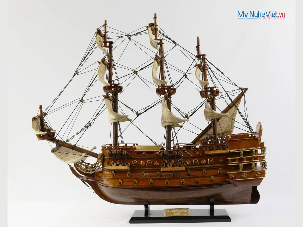 Mô hình tàu chiến cổ Le Soleil Royal (thân 40cm) MNV-TB07