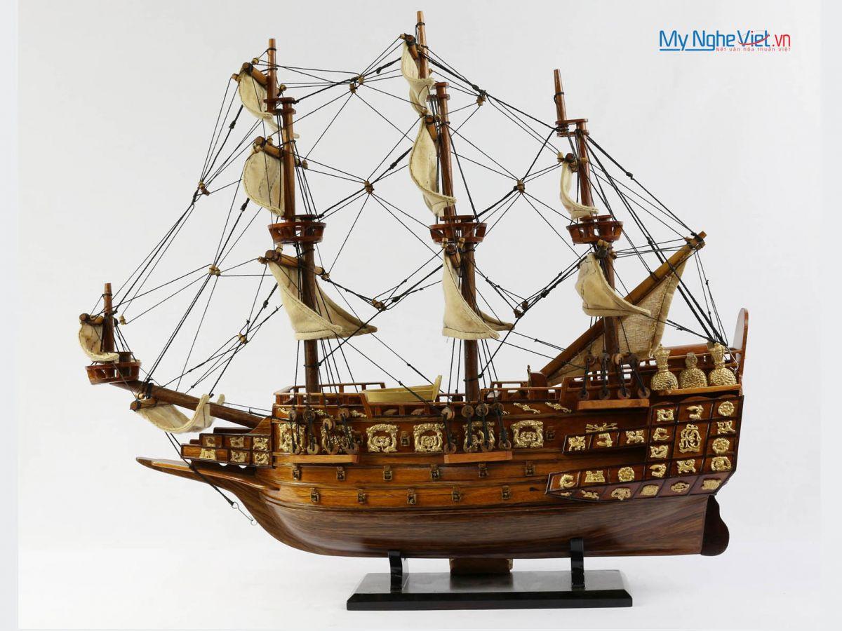 Mô hình tàu thuyền chiến cổ Sovereign of The Seas (thân 40cm) MNV-TB08